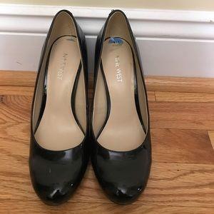 Black patent Nine West heels
